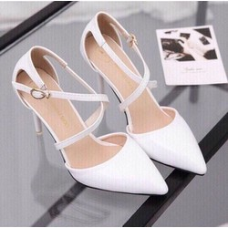 Giày cao gót khóa chéo