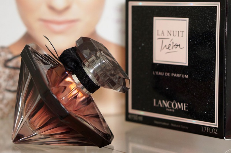 Nước hoa nữ Tresor La Nuit 75ml 4