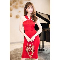 Đầm ôm body màu đỏthiết kế tôn dáng của Ngọc Trinh M31143