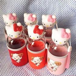 Bình nước thuỷ tinh Hello Kitty