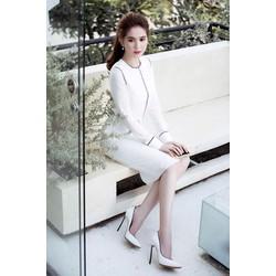 Đầm trắng viền đenthiết kế ôm body tay dài Ngọc Trinh M31145