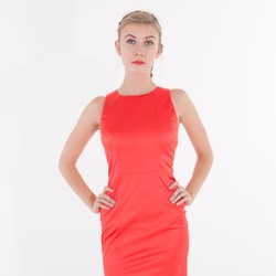 Đầm ôm đuôi cá đỏ