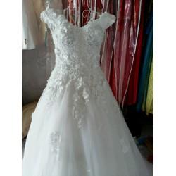 Áo cưới trắng thanh lý