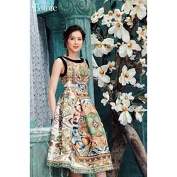 Đầm xòe gấm họa tiết cổ phối kèm hình thật