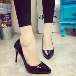 Giày cao gót dáng cơ bản sang trọng