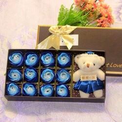 Quà tặng hoa hồng 12 bông kèm gấu