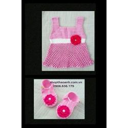 Set đầm và giày len móc Handmade size 8 tháng đến 11 tháng