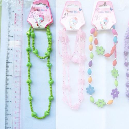 bộ dây chuyền và vòng đeo tay hạt cườm nhựa nhiều màu