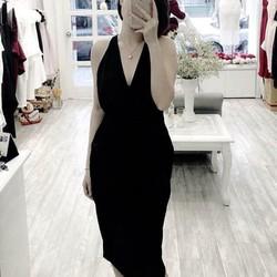 đầm dạ hội cổ trễ quyến rũ Lux Dress