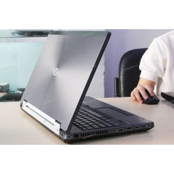 Hp workstation 8570w i7 3720Q 8G 500G 15.6in FullHD VGA K2000