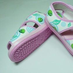 Giày tập đi Thái Lan cho em bé