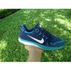 giày thể thao màu xanh
