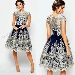 Đầm ren cực sang