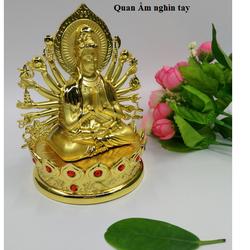 Tượng Phật trên xe ô tô Quan Âm nghìn tay