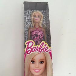 Búp bê Barbie hình cô gái tóc vàng