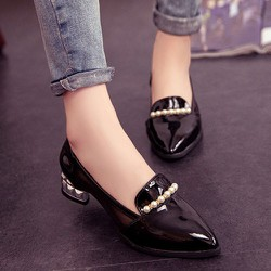 Giày Đế Thấp Viền Ngọc Trai - G1060