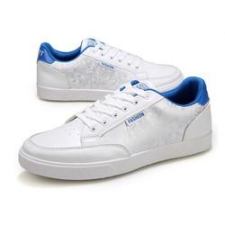 Giày sneaker mầu trắng trẻ trung