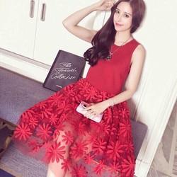 Đầm xoè ren hoa y hình