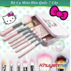 Bộ Cọ Trang Điểm 7 Cây Hello Kitty