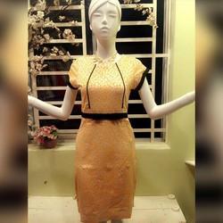 Đầm ôm body họa tiết chấm bi