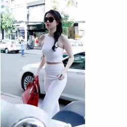 Set áo croptop quần suông Ngọc Trinh