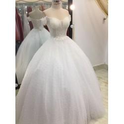áo cưới tay ngang kết hạt phale trắng