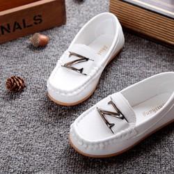 Giày mọi trắng chữ Z cho con trai diện Noel và Tết