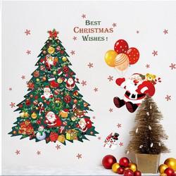 Ông già Noel và cây thông xanh