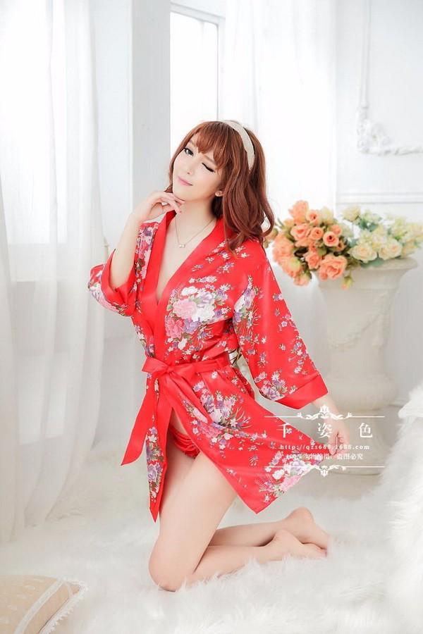 Bộ đồ lót kèm áo choàng DN330 1