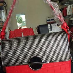 Túi đeo chéo da cao cấp màu đỏ