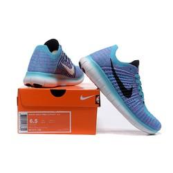 Giày thể thao chất lượng cao mới