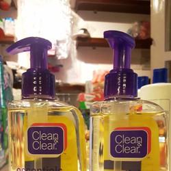 GEL RỬA MẶT CLEAN CLEAR CHO DA NHẠY CẢM 240 ML SẢN XUẤT TỪ MỸ
