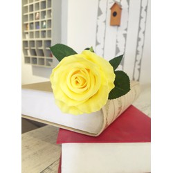 Hoa hồng giả trang trí nhà cửa