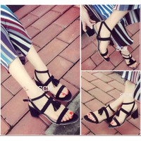Giày Gót vuông bính chuông