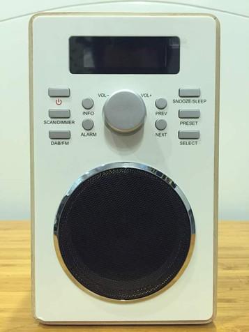 Đài radio DAB màu gỗ 2