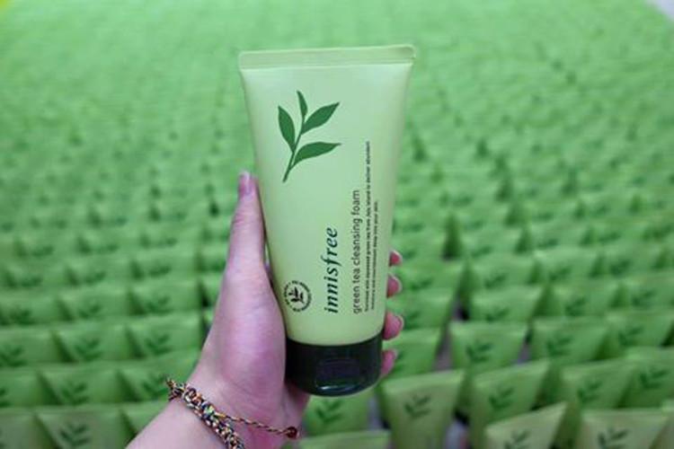 Sữa rửa mặt trà xanh Green Tea Cleansing Foam Innisfree 5