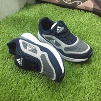 Giày thể thao Adidas. - 3827