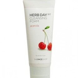 Sữa rửa mặt chiết xuất Cherry Herb Day 365 Cleansing Foam Acerola