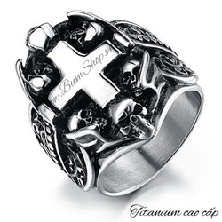 Nhẫn nam khắc thánh giá độc đáo