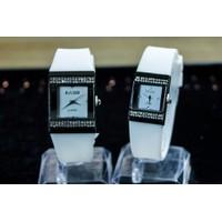 Đồng hồ đôi trắng