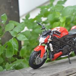 -Mô hình tĩnh - Mô hình xe moto Ducati Stress Fighter 1:12