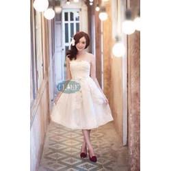 Đầm công chúa ren xòe cúp ngực kết hoa