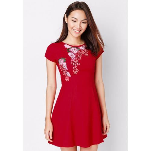 Đầm Linen 7 mảnh Thêu Hoa Hồng Nổi - Đỏ CIRINO