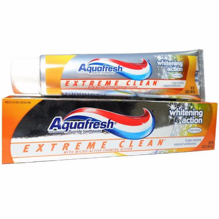 Kem đánh răng Aquafresh Whitening Action - 158.7g 1