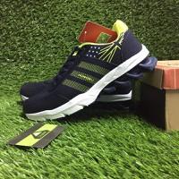 Giày thể thao Adidas. - 3838