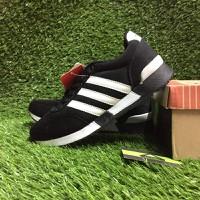 Giày thể thao Adidas. - 384