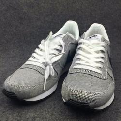 Giày vải thể thao giúp thông thoáng được thiết kế thon gọn HOT mới