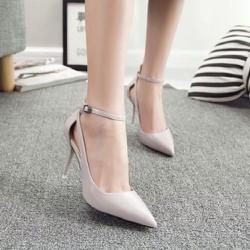 Giày cao gót dây sành điệu