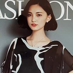 Áo voan nữ họa tiết đẹp mắt, phong cách trẻ trung.