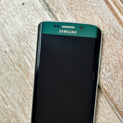Điện thoại Samsung Galaxy S6 Edge 32GB xanh lục ngọc bảo